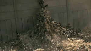 Zombies rush the wall in World War Z. Paramount Pictures
